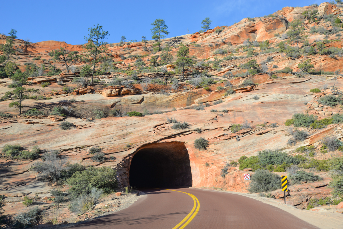 Zion-National-Park-tunnel