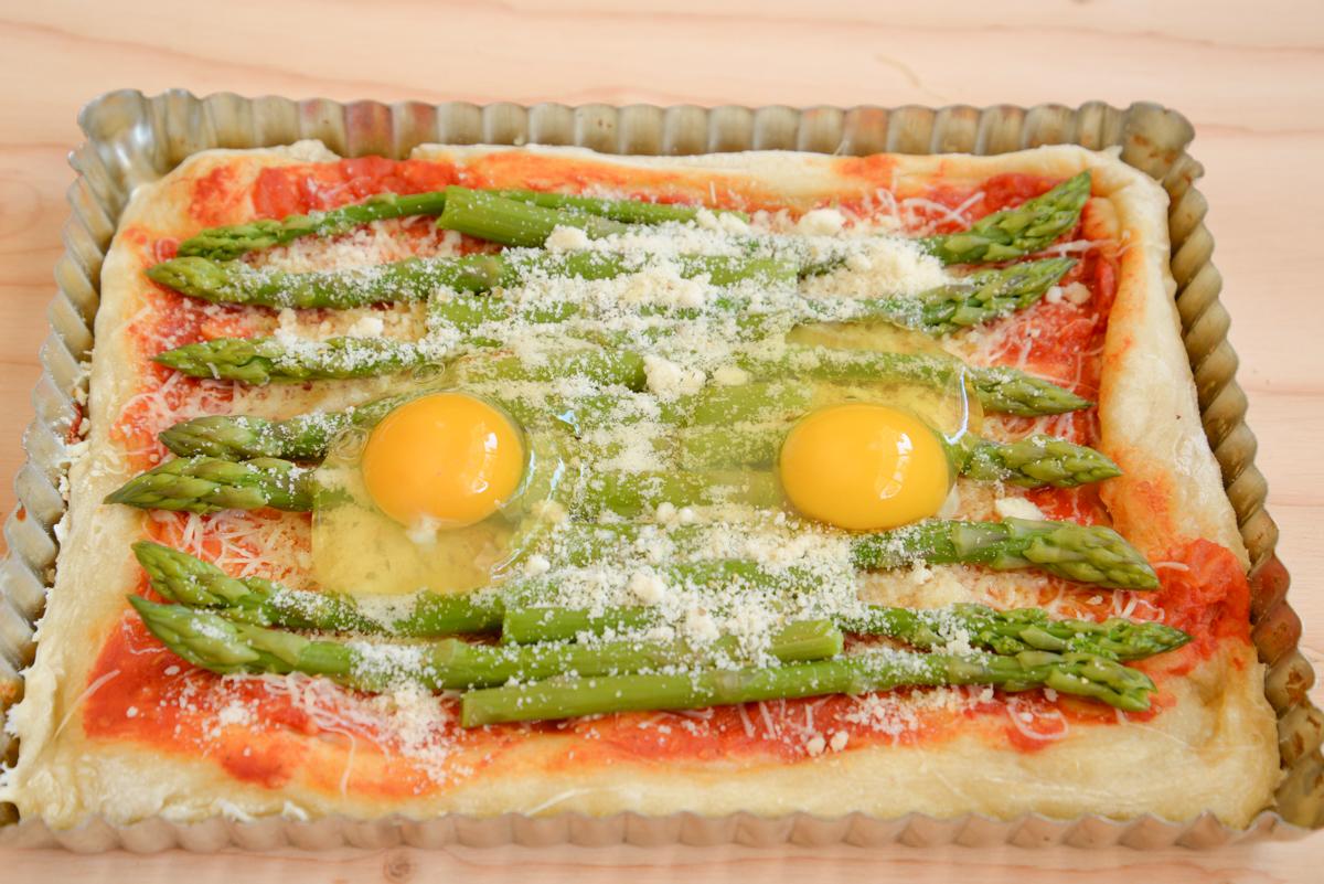 Pizza-aux-asperges-oeufs