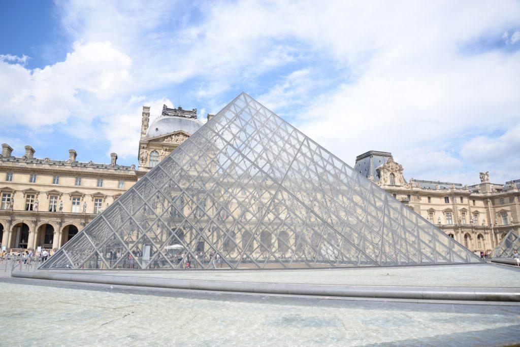 pyramide-louvre