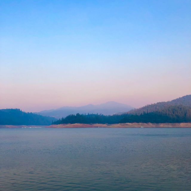 Houseboat-shasta-lake-californie