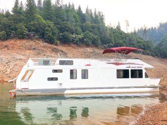 bateau-shasta-lake-californie