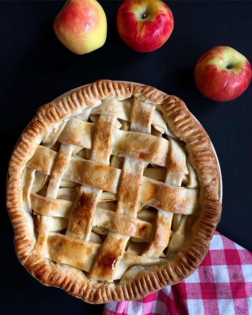 tarte-pommes-quadrillee