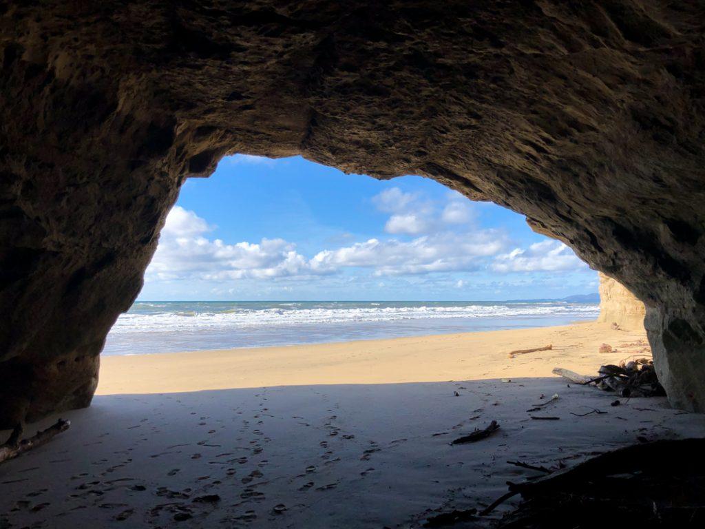 grotte-plage-californie