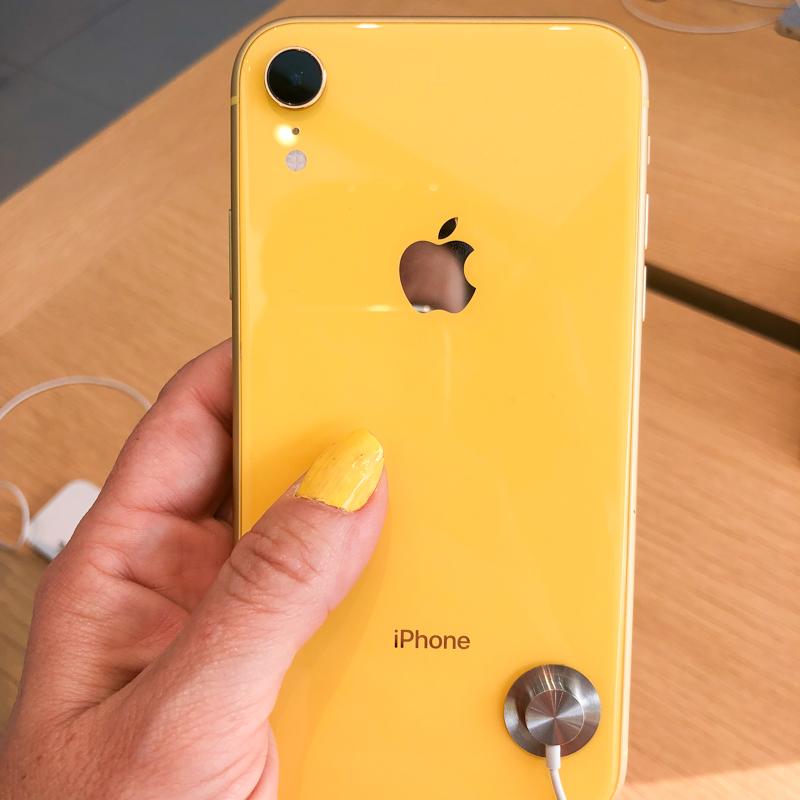 iphone-jaune