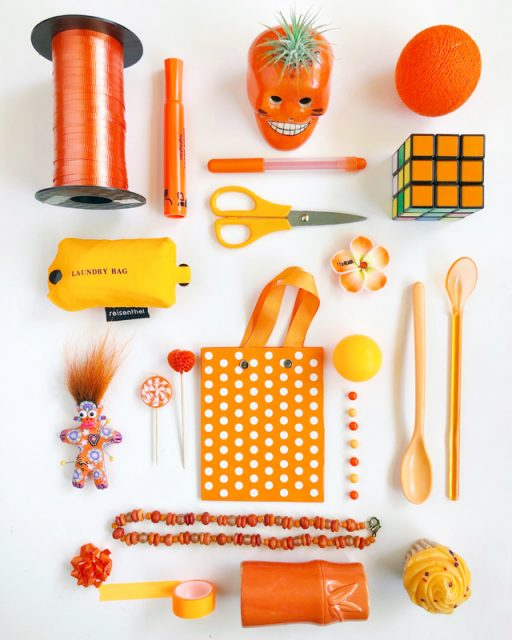 knolling-orange-color